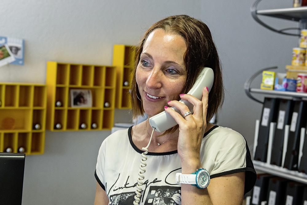 Telefonauskunft und Reservationen
