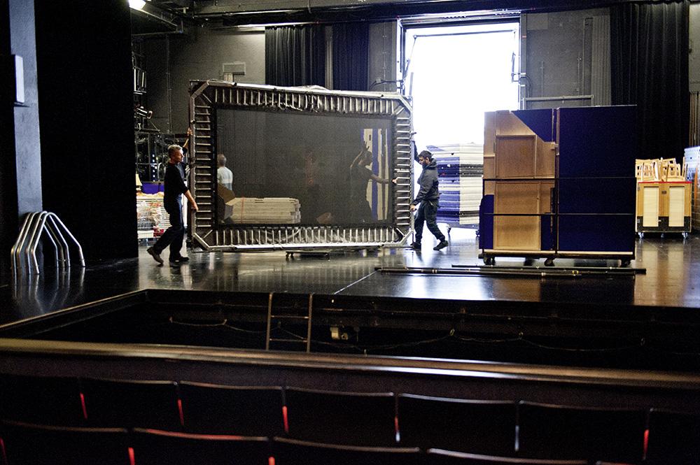 Bühnentechnik auf- und abbauen