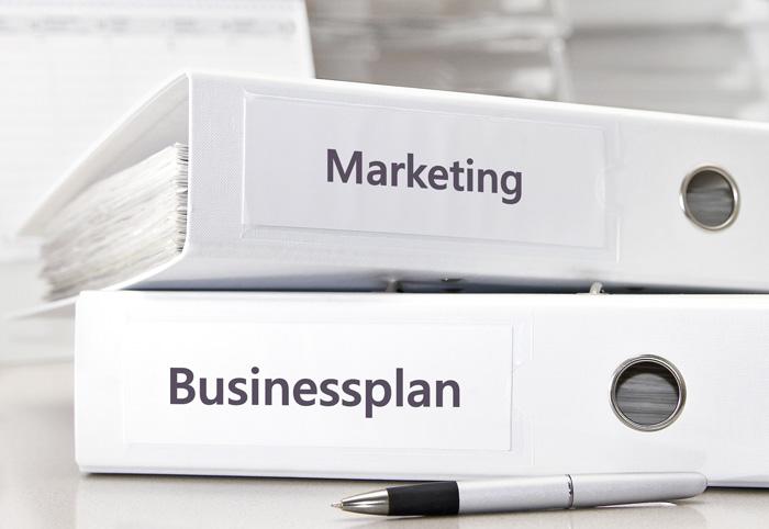 Die Kantone sind darauf bedacht, arbeitslose Personen für die Risiken des Unternehmertums zu sensibilisieren und die Erfolgschancen einer Geschäftsidee genau zu prüfen. (Bild: Fotolia/stockpics)