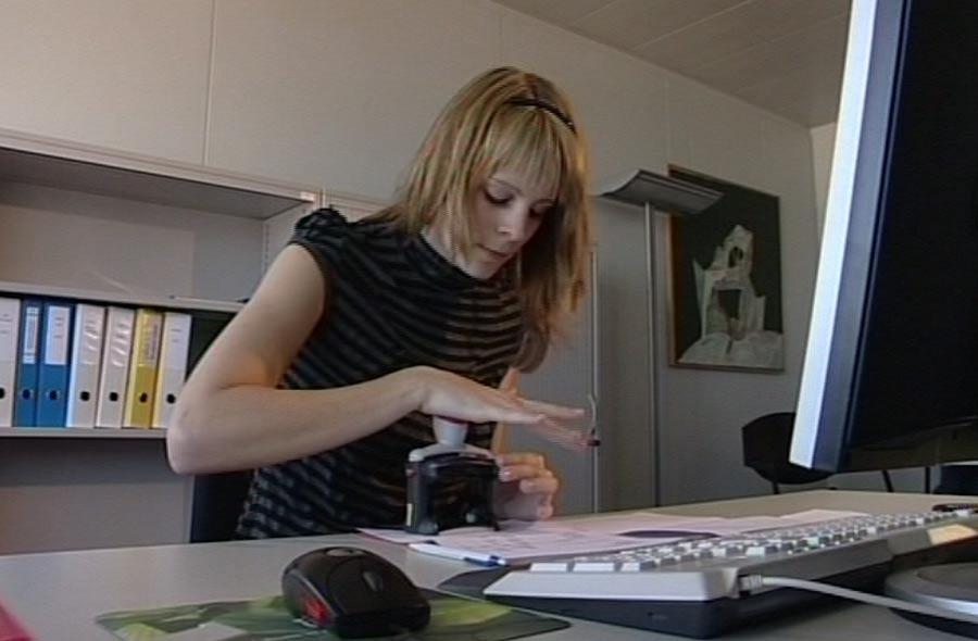 Kaufmann/-frau EFZ - Berufsfilm mit Porträt einer Lernenden
