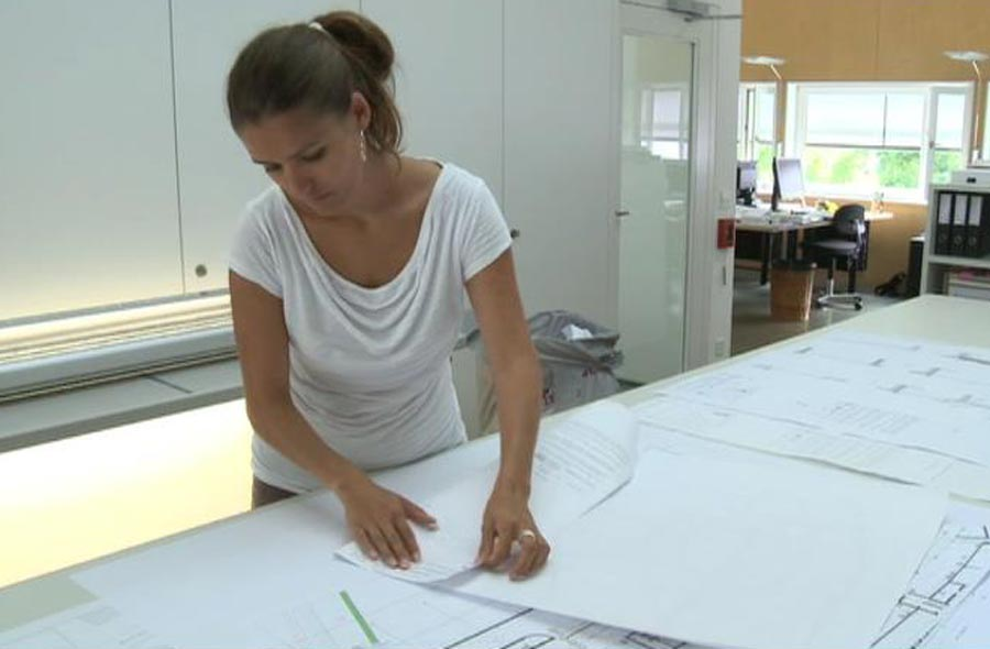 Zeichner/in EFZ – Film mit Porträt einer Berufstätigen