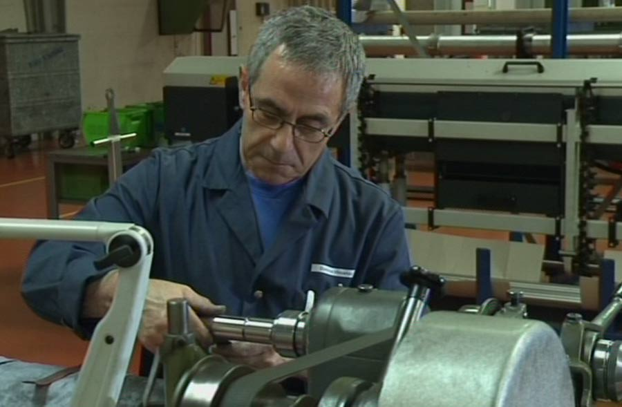 Produktionsmechaniker/in EFZ – Film mit Porträt eines Lernenden