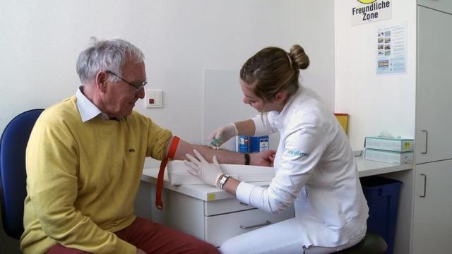 Medizinische/r Praxisassistent/in EFZ – Film mit Porträt einer Berufstätigen