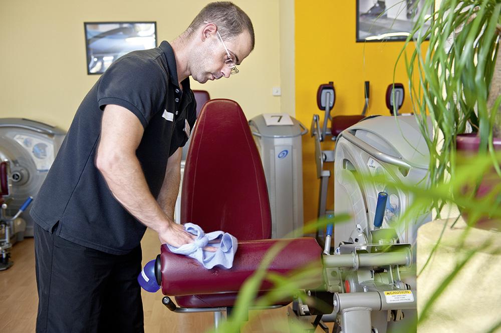 Reinigen und Pflegen der Geräte