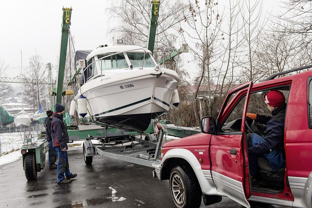 Boote aus- und einwassern