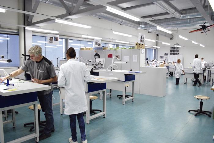 Staatlich geführte Lehrwerkstätten wie die Technische Fachschule in Biel sind eine Ausnahme im dualen Berufsbildungssystem der Schweiz. (Bild: Daniel Fleischmann)