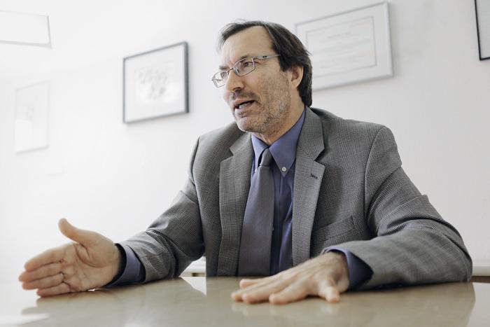 Grégoire Évéquoz, Direktor des Amts für Berufsberatung, Berufs- und Weiterbildung des Kantons Genf (OFPC): «Dank Partnerschaften mit Arbeitgebern können wir all unsere Qualifizierungsmassnahmen für Erwachsene kostenlos anbieten.» (Bild: zvg)