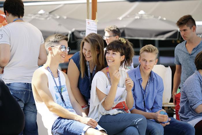 Das Zugehörigkeitsgefühl – und die Möglichkeit, Verantwortung zu übernehmen – motivieren Jugendliche und junge Erwachsene zur Freiwilligenarbeit.  (Bild: Stefan Rüegger/SAJV)