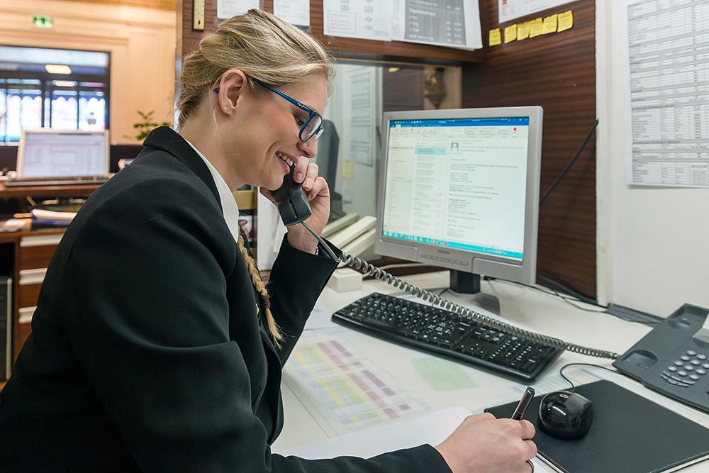 Telefonauskunft und Buchungen