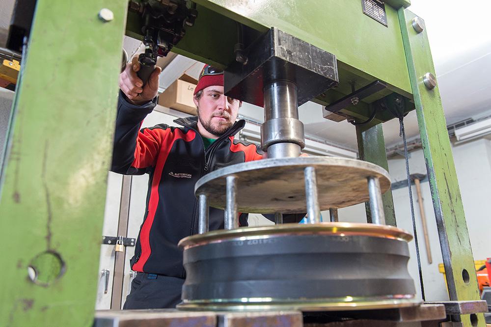 Reparaturarbeiten in der Werkstatt