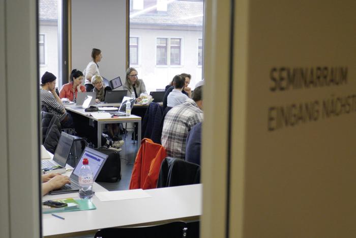 Das fachdidaktische Studium an der PH Zürich verlangt in hohem Masse selbstorganisiertes und selbstgesteuertes Lernen. (Bild: Daniel Fleischmann)
