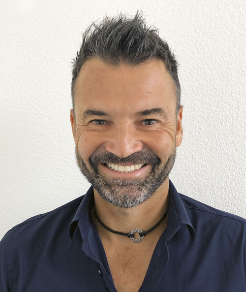 Pascal Debély ist Wirtschaftslehrer und YES-Coach an der Handelsmittelschule des Lycée Jean-Piaget in Neuenburg. (Bild: Laura Perret Ducommun)