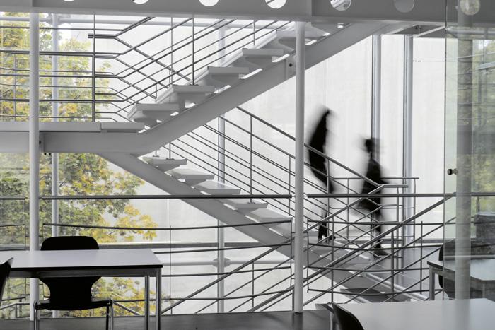 An der gibb Berufsfachschule Bern wird mit der Flexibilisierung der Berufsbildung ernst gemacht. (Bild: Daniel Fleischmann)