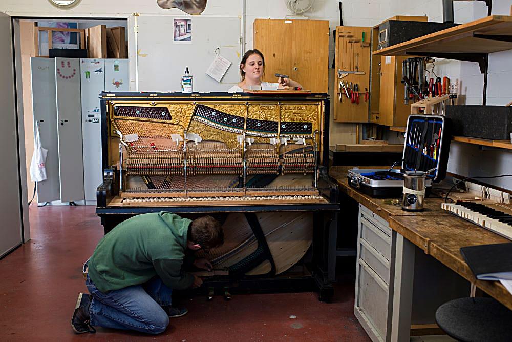 Gemeinsames Arbeiten am Klavier