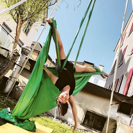 Siri Thalmann: «In Zirkusworkshops muss man sehr offen sein dafür, was die Leute können und wollen.» (Bild: zvg)