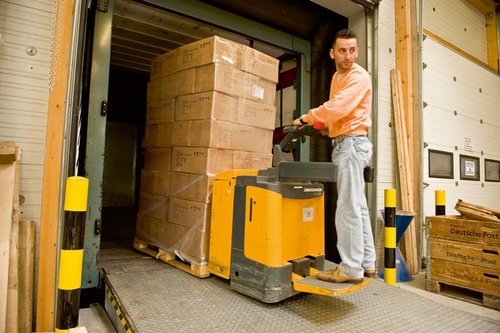 Güter verpacken und verladen