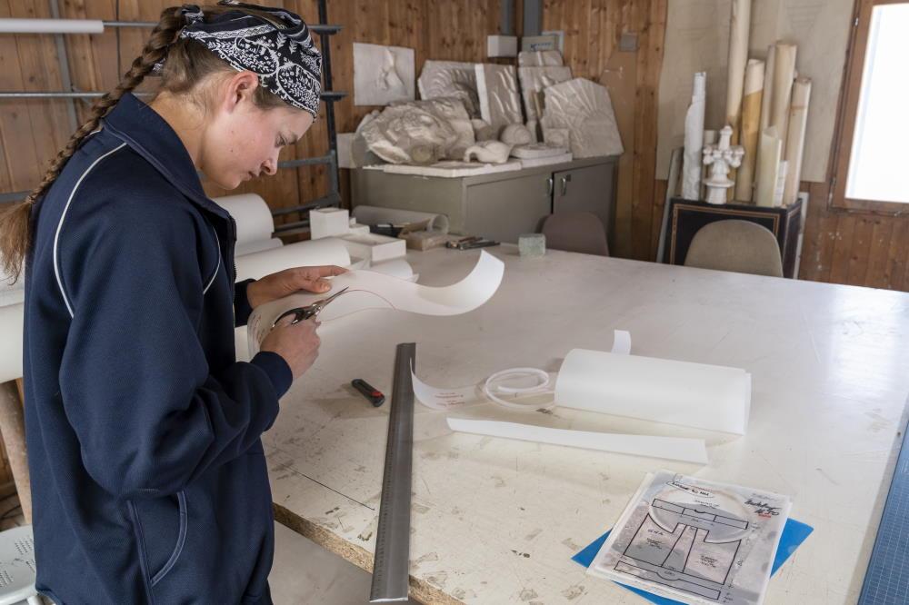 Steinbearbeitung mit Handmaschinen