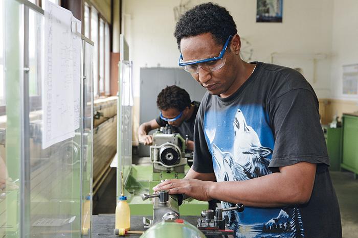 La précision et la concentration: deux outils indispensables sur le marché du travail.