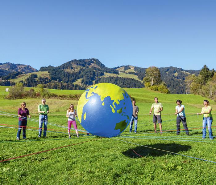 Les activités de groupe favorisent la confiance et la compréhension mutuelles. (Photo: Fotolia/ARochau)