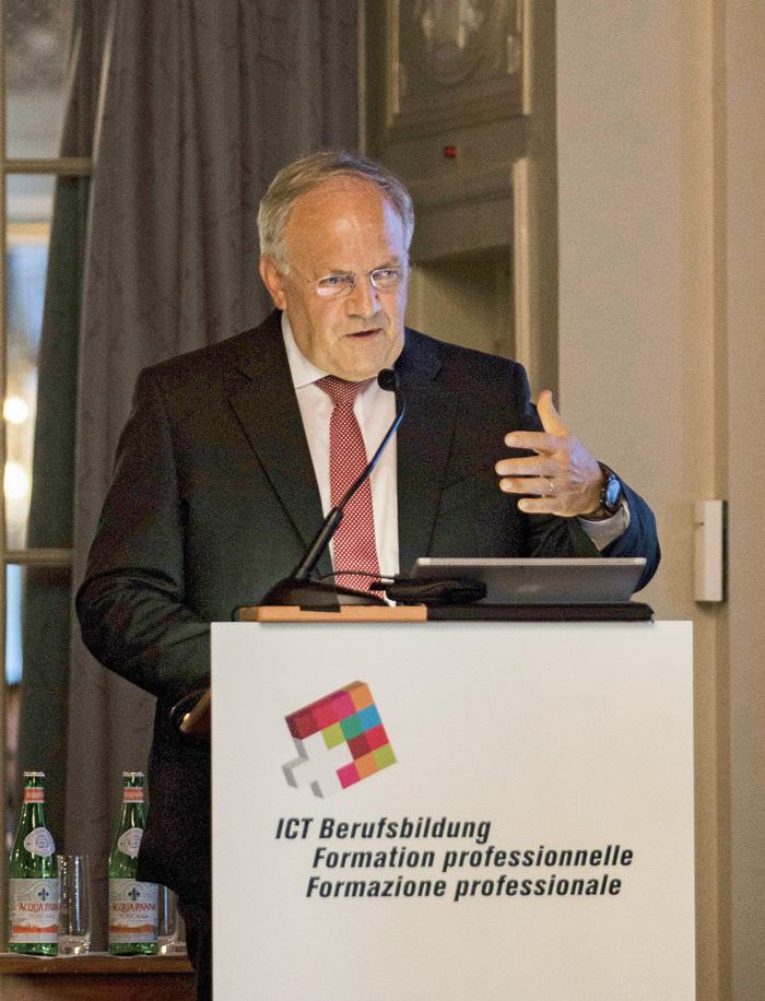 Le conseiller fédéral Johann N. Schneider-Ammann a ouvert la cérémonie pour le nouveau diplôme fédéral d'ICT Security Expert. (Photo: Amira Sharaf)