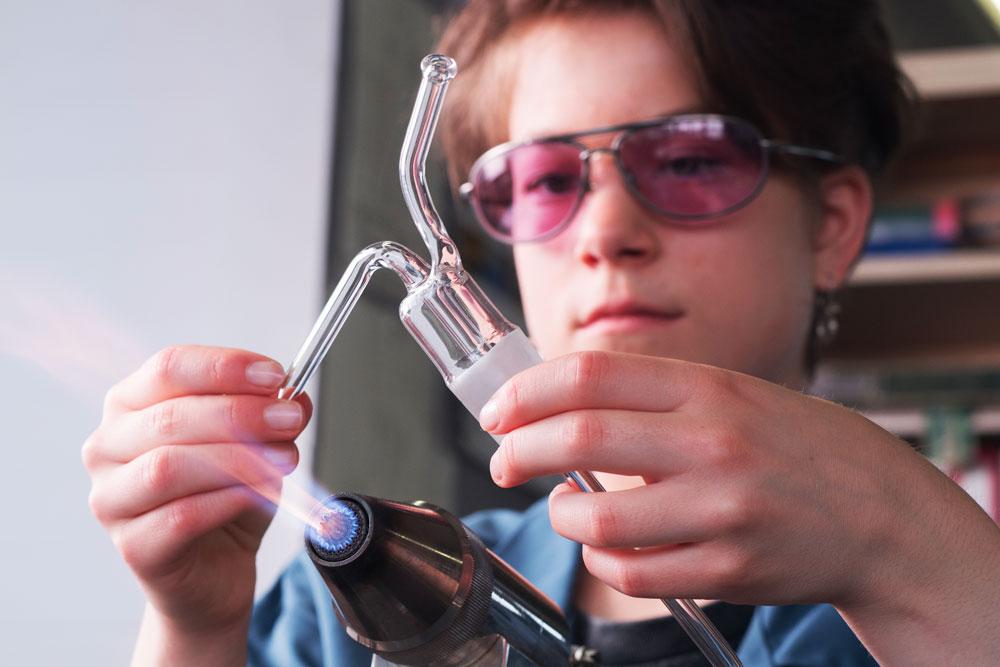 Production de pièces de précision en verre