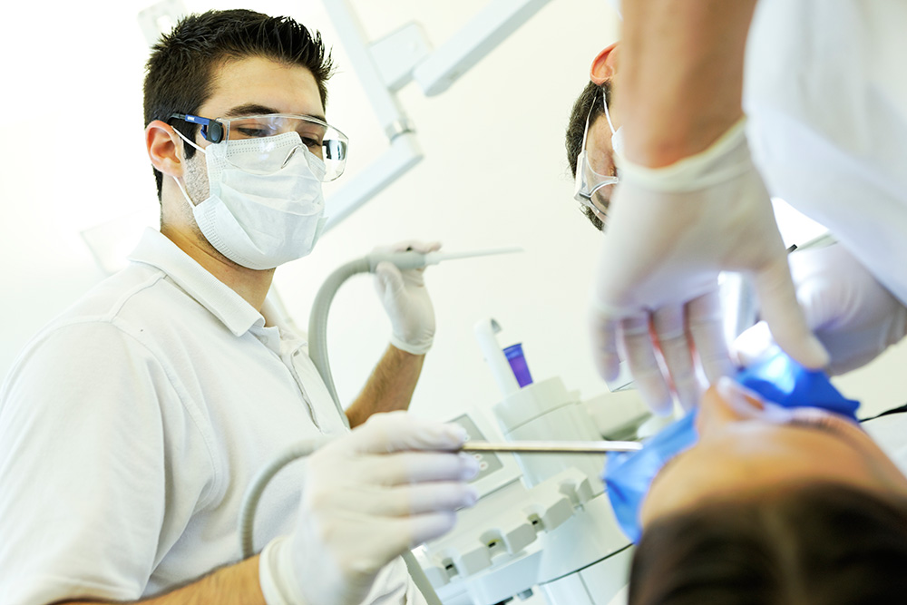 Assister le médecin-dentiste