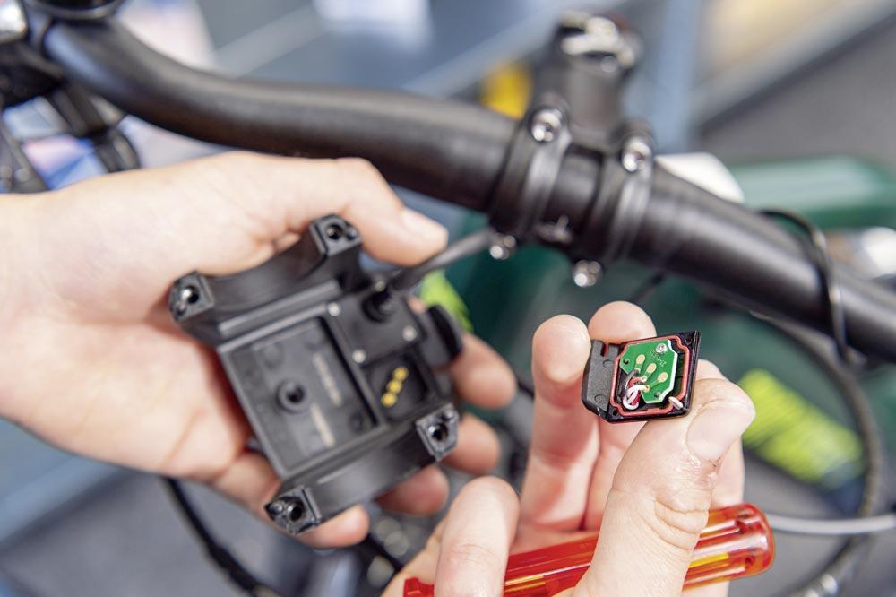 Maintenance des composants électroniques