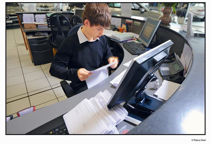 Le large profil professionnel des employés de commerce rend le marché du travail flexible et les spécialistes mobiles.