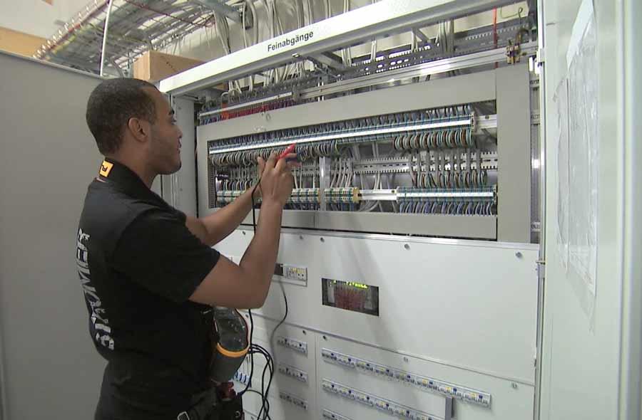 Installatore/trice elettricista AFC