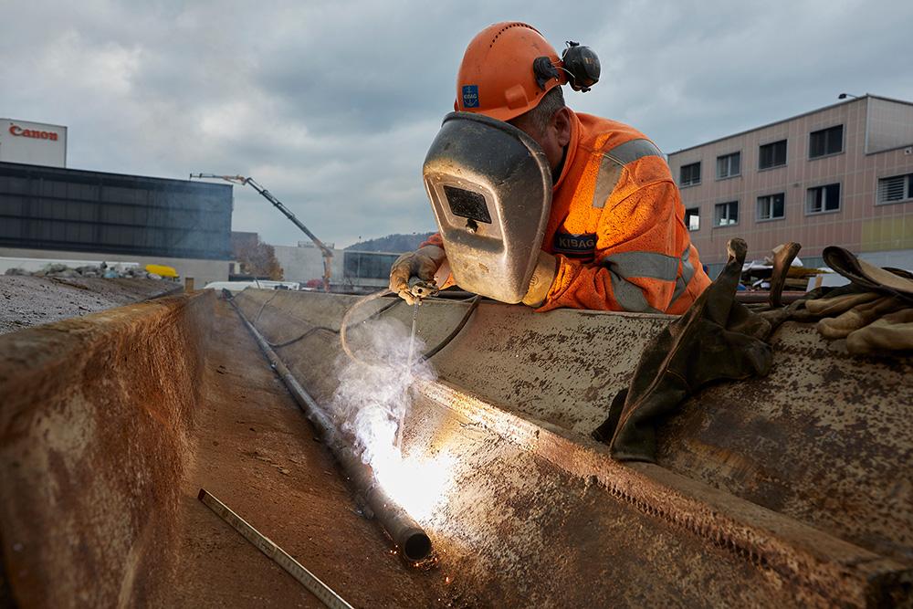 Saldare e tagliare il metallo