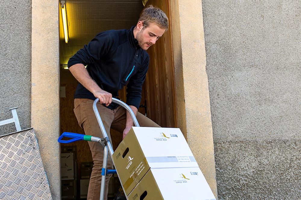 Confezionamento e vendita del vino