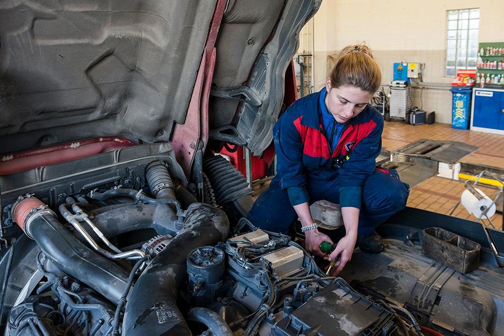 Controllare e riparare il motore e il cambio