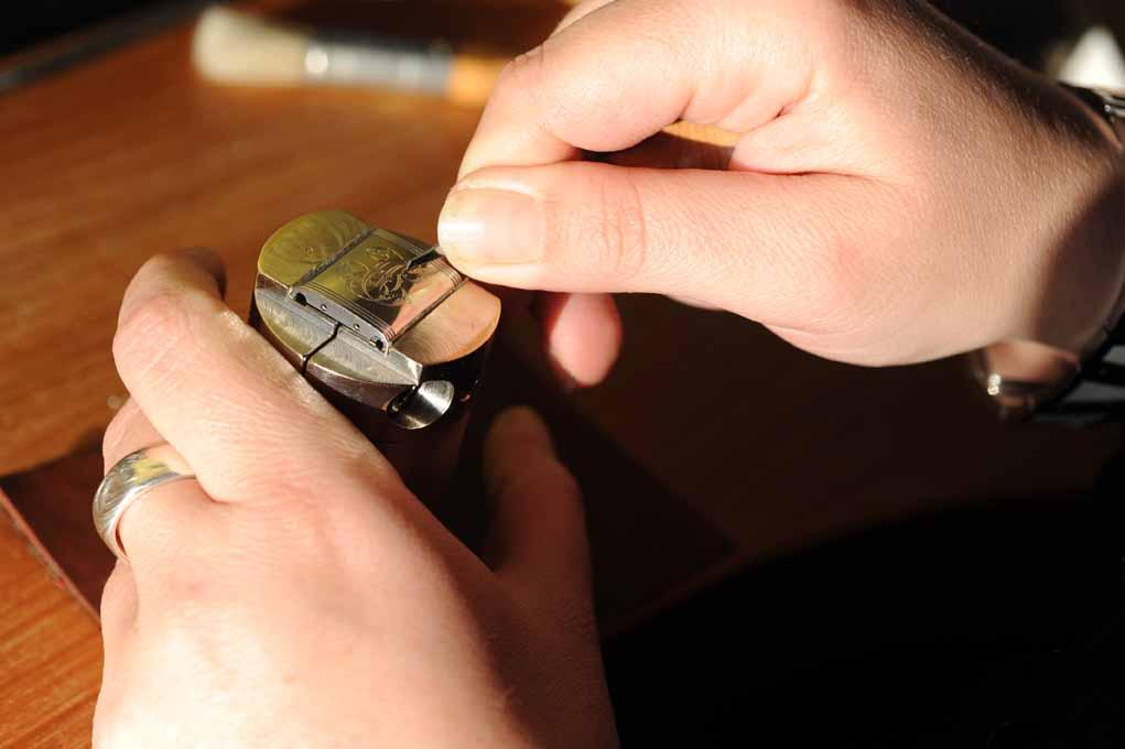 Decorare pezzi di orologi